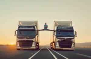 Jean-Claude Van Damme : Toujours agile à 53 ans, il assure au grand écart