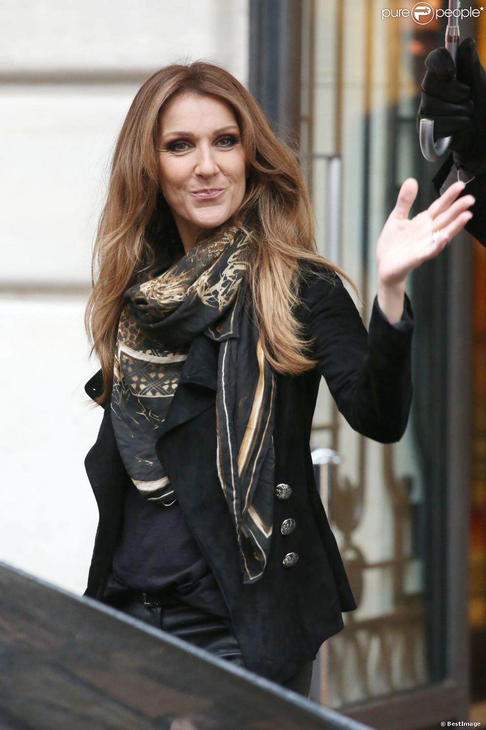 C  233 line Dion sort de son h  244 tel parisien  Le 12 novembre 2013 Celine Dion Son