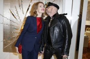 Natalia Vodianova : Enceinte et lumineuse pour un séance de baisers improvisée