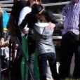 Exclusif - Justin Theroux embrasse une mystérieuse inconnue lors de l'anniversaire de Susan Downey à San Francisco, le 10 novembre 2013.