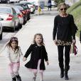 Sarah Michelle Gellar accompagne sa fille Charlotte à son cours de danse à Los Angeles, le 23 novembre 2013