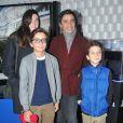 Ariel Wizman, sa compagne Osnath Assayag enceinte et les fils de celui ci lors de la soirée de lancement de la console Playstation 4 Sony au centre culturel alternatif Electric a Paris le 28 novembre 2013