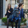 Miranda Kerr et Orlando Bloom ensemble avec leur fils Flynn dans les rues de New York, le 30 novembre 2013.