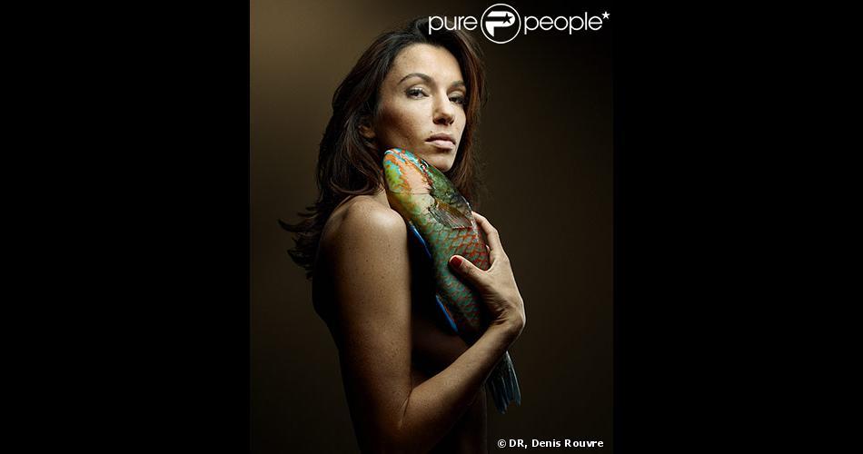 Aure Atika pose nue devant l'objectif de Denis Rouvre pour la campagne 2013 de Fishlove, fondation qui lutte contre le pillage des océans.