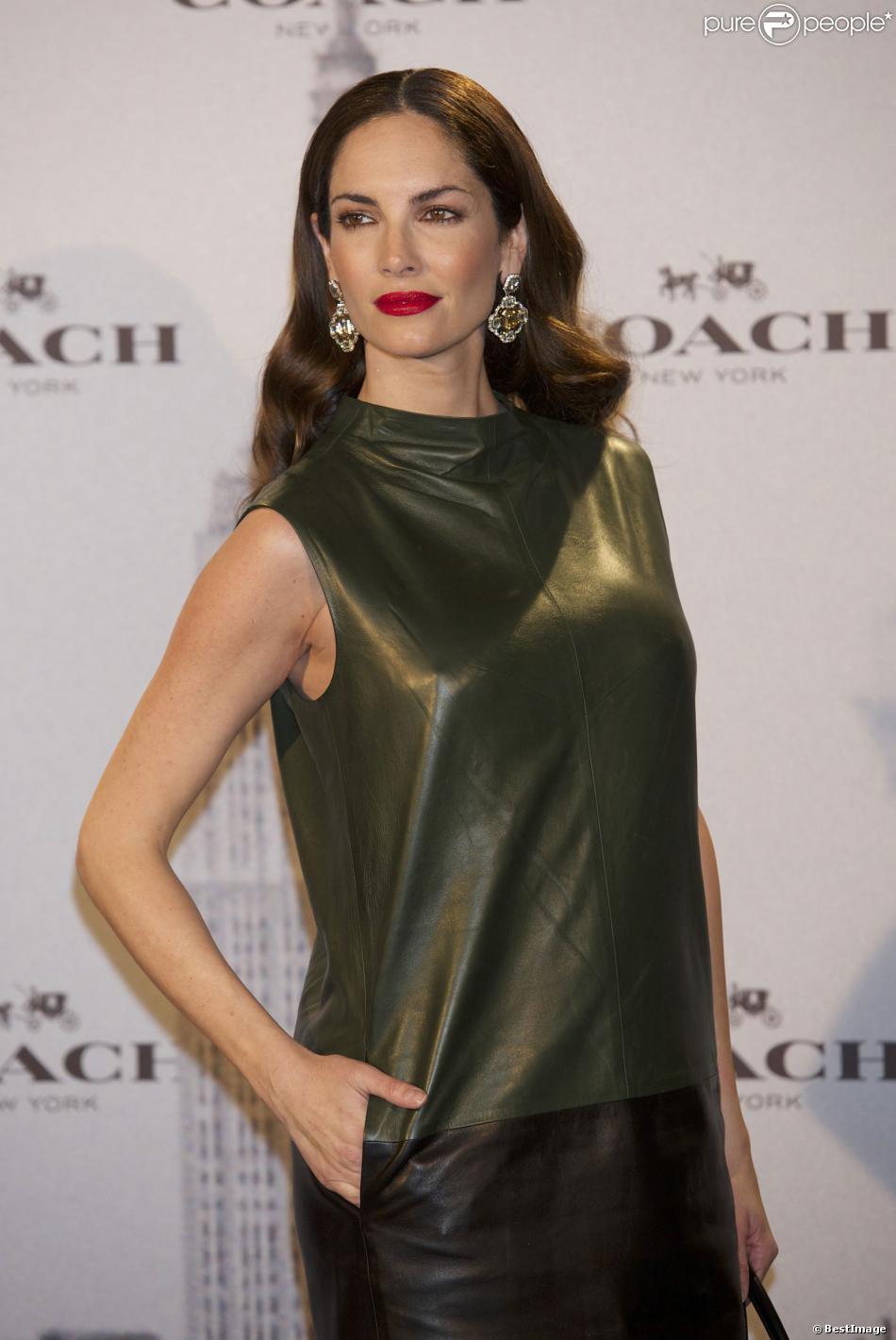 """Eugenia Silva enceinte à l'inauguration de la boutique """"Coach"""" à Madrid en Espagne le 20 novembre 2013."""