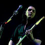 Placebo à Bercy : Brian Molko, ému devant ses fans, fête son anniversaire