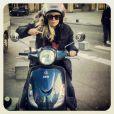 Enora Malagré dévoile son nouveau scooter sur Twitter.