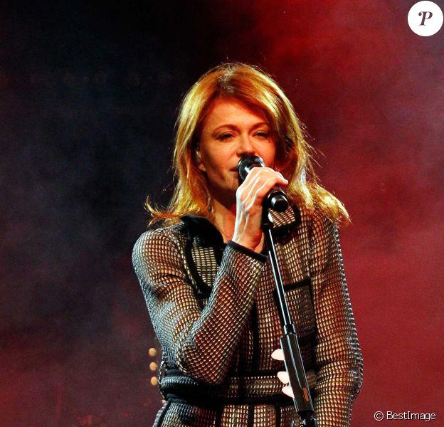 Axelle Red chante pour le 30e anniversaire de la chaine TV5 Monde au Pavillon Champs Elysées, à Paris, le 13 decembre 2013.