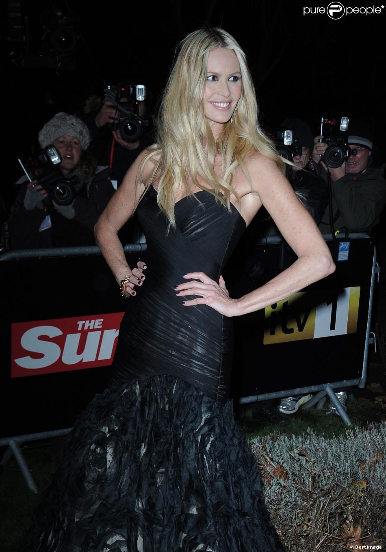 Elle Macpherson à la soirée 'Sun Military Awards' à Londres le 6 Decembre 2012.