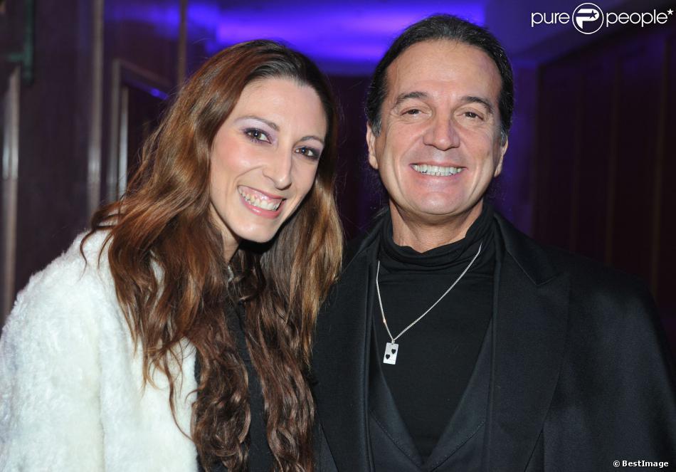 """Le chanteur Francis Lalanne et Silvia Notargiacomo - Soirée """"The Best Awards 2013"""" de Massimo aux Salons Hoche à Paris, le 16 décembre 2013."""
