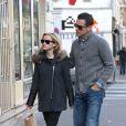 Reese Witherspoon et son mari Jim Toth sont allés faire du shopping chez APC àa Paris. Le 9 décembre 2013.