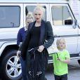 Gwen Stefani, enceinte, avec ses fils Kingston et Zuma dans le quartier de Brentwood, le 22 décembre 2013.
