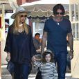 Rachel Zoe enceinte et son mari Rodger Berman emmenent leur fils Skyler au Brentwood Country Mart, le 1er decembre 2013.