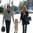 Rachel Zoe enceinte, son mari Rodger Berman et leur fils Skyler se promènent à Beverly Hills, le 27 novembre 2013.