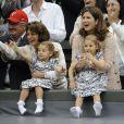Mirka Vavrinec, la femme de Roger Federer avec leurs filles Myla et Charlene à Wimbledon, le 8 juillet 2012.