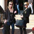 Paris et Nicky Hilton font du shopping à Beverly Hills, le 24 décembre 2013.