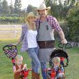 Tori Spelling et son mari Dean McDermott fêtent le premier anniversaire de Finn et les deux ans d'Hattie à Underwood Farms, Moorpark, Los Angeles, le 3 novembre 2013