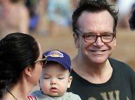Tom Arnold métamorphosé : 40 kilos en moins depuis la naissance de bébé...