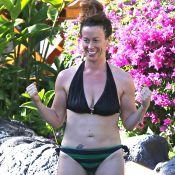 Alanis Morissette : Epanouie en maillot de bain, la star chouchoute son fils
