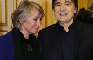 Serge Lama : Médaillé en hommage à son père devant sa femme Michèle