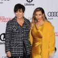 "Kris Jenner et sa fille Kim Kardashian posent à l'événement ""Women In Entertainment Breakfast"" à Beverly Hills le 11 decembre 2013."
