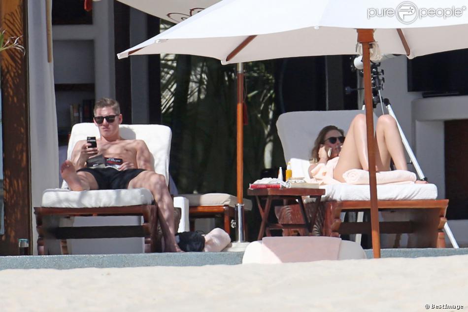 Exclusif - Bastian Schweinsteiger (29 ans) et sa compagne Sarah Brandner en vacances à Los Cabos au Mexique le 29 décembre 2013.
