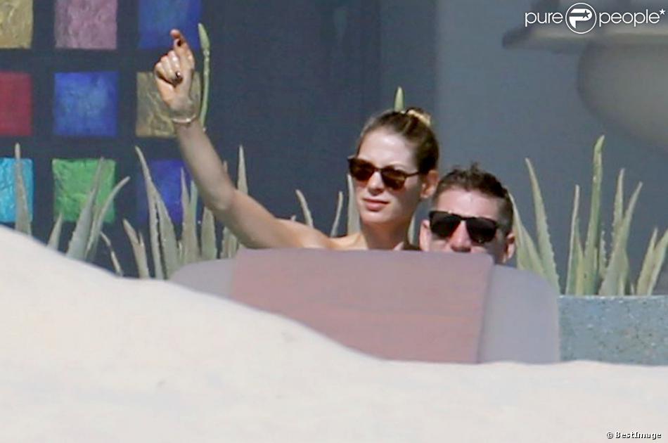 Exclusif - Le joueur Bastian Schweinsteiger et sa compagne Sarah Brandner en vacances à Los Cabos au Mexique le 29 décembre 2013.