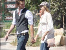 PHOTOS : Mira Sorvino et Christopher Backus, sortie en amoureux à Malibu !
