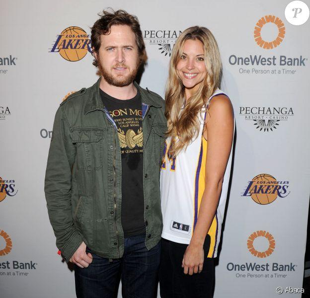 A.J. Buckley et sa compagne Abigail Ochse à Los Angeles, le 3 avril 2011.