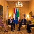 Visite officielle inaugurale du roi Willem-Alexander et de la reine Maxima des Pays-Bas en Italie le 23 janvier 2014, ici reçus à Rome au palais Chigi par le Premier ministre Enrico Letta et son épouse Gianna Fregonara.