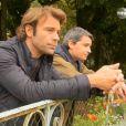 Les acteurs Nicolas et José en couple dans la série Les Mystères de l'amour - Coups de folies (diffusé le dimanche 3 novembre 2013 sur TMC)