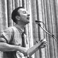 """""""Where Have All The flowers Gone"""", un aure classsique du folk américain écrit par Pete Seeger en 1955."""