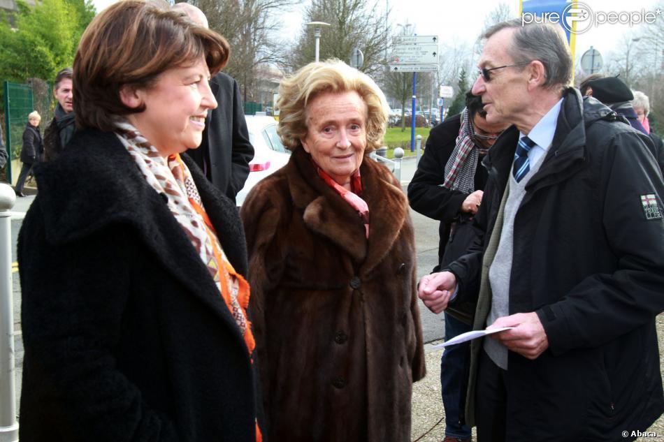 Bernadette Chirac, présidente de l'opération des Pièces jaunes, était à Lille, le 30 janvier 2014, pour remettre un chèque de 400 000 euros à la future maison familiale hospitalière (MFH). Elle y a rencontré Martine Aubry, maire de la ville.
