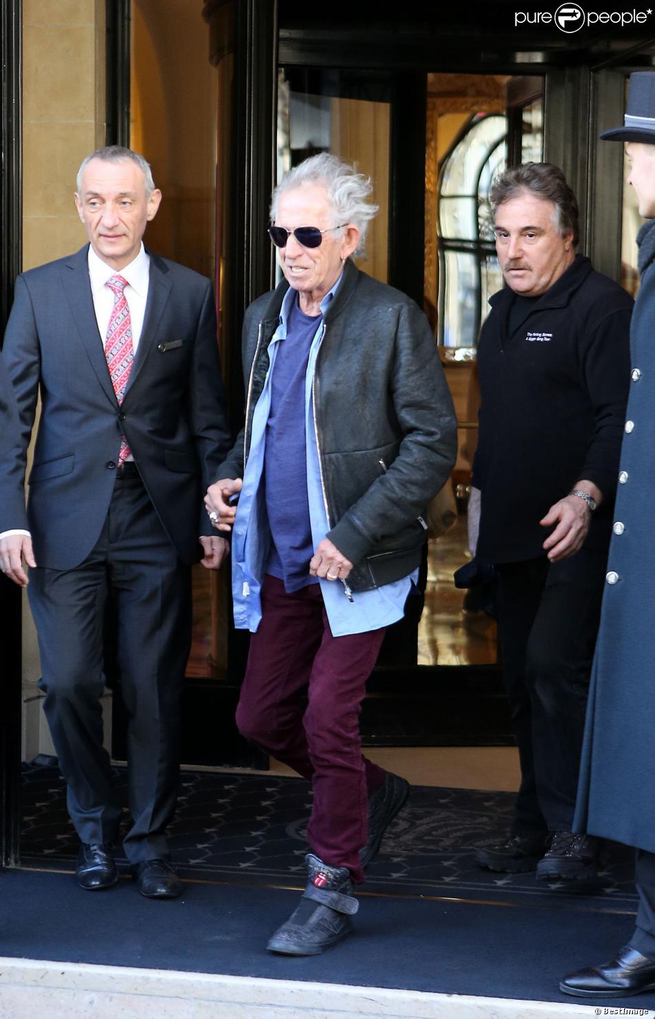 Keith Richards quitte l'hôtel George V pour se rendre à des répétitions à Paris. Le 3 février 2014.
