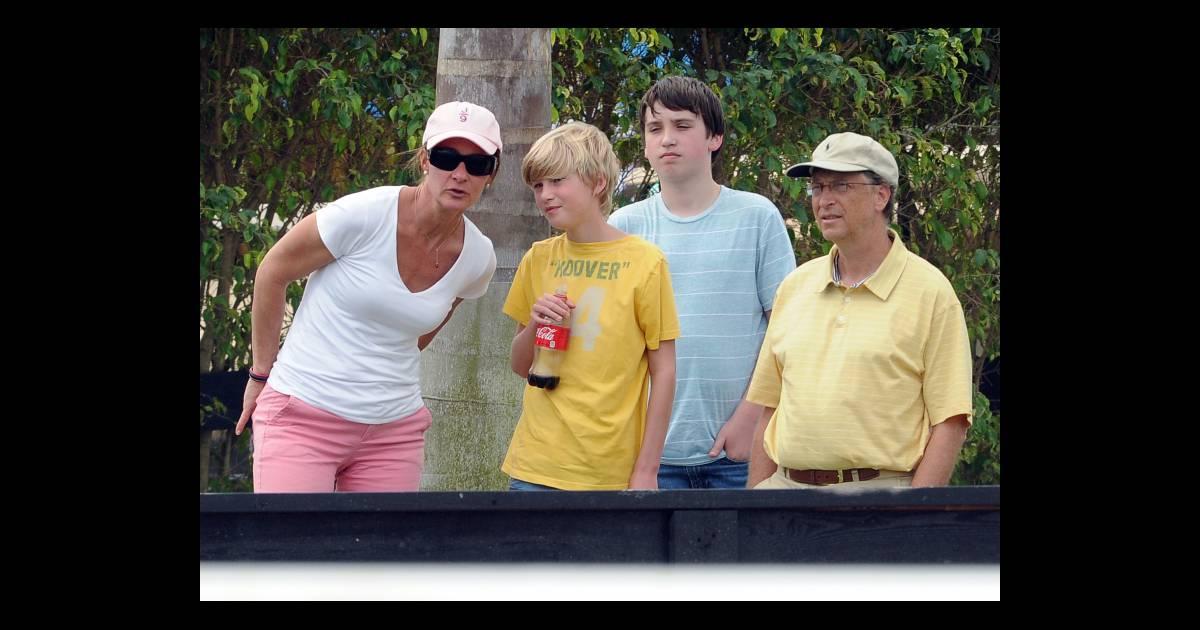 Bill gates sa femme melinda et leur fils rory le 25 mars 2012 west palm be - La maison de bill gates ...