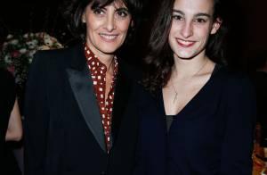 Inès de la Fressange : Radieuse avec sa fille Nine et Karin Viard, très chic