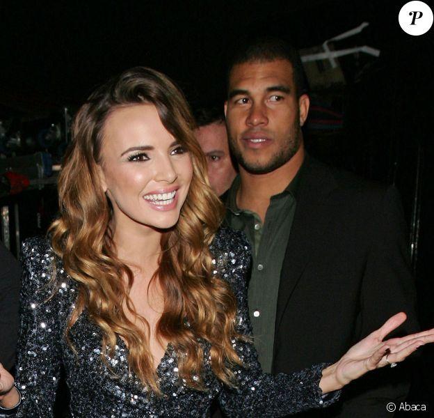 La jolie Nadine Coyle et son fiancé Jason Bell à la sortie de Koko à Londres, le 1er novembre 2010.