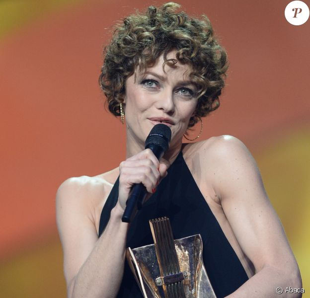 Vanessa Paradis a reçu la troisième Victoire de l'artiste interprète féminine de l'année de sa carrière lors de la 29e cérémonie des Victoires de la Musique, le 14 février 2014 au Zénith de Paris.