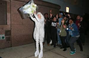 Lady Gaga : Jeune mariée déjantée à New York, un message à nous faire passer ?