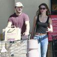 """""""Exclusif - Shia LaBeouf et Mia Goth font leurs courses à Van Nuys le 23 février 2014."""""""