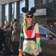 Anna Dello Russo arrive à la Cité de la mode et du design pour assister au défilé Kenzo. Paris, le 2 mars 2013.
