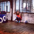 Laure Manaudou en pleine séance shooting pour Reebok - photo publiée sur son compte Facebook le 3 mars 2014