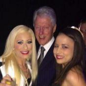 Bill Clinton : En compagnie de ''jolies'' prostituées et honoré, loin d'Hillary