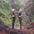 Karlie Kloss et Taylor Swift en pleine forêt lors de leur road trip dans la région de Big Sur (Californie), mars 2014.