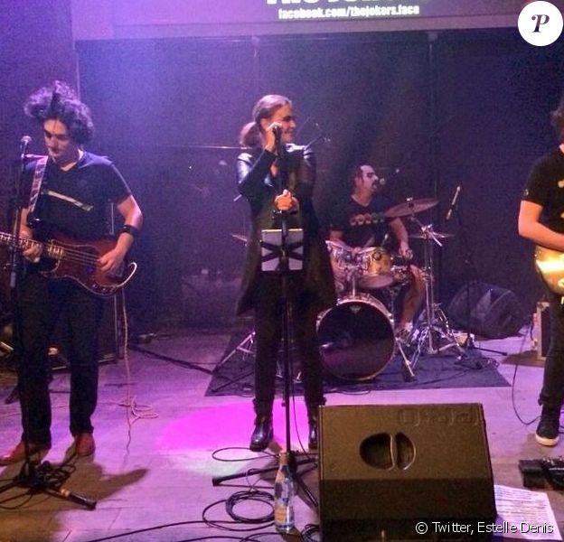 Estelle Denis a posté deux photos de Sandrine Quétier et son groupe The Jokers, sur scène à Lyon, le 12 mars 2014.