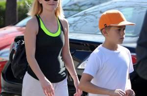 Reese Witherspoon, radieuse en famille : À 37 ans, elle en paraît 20 de moins !