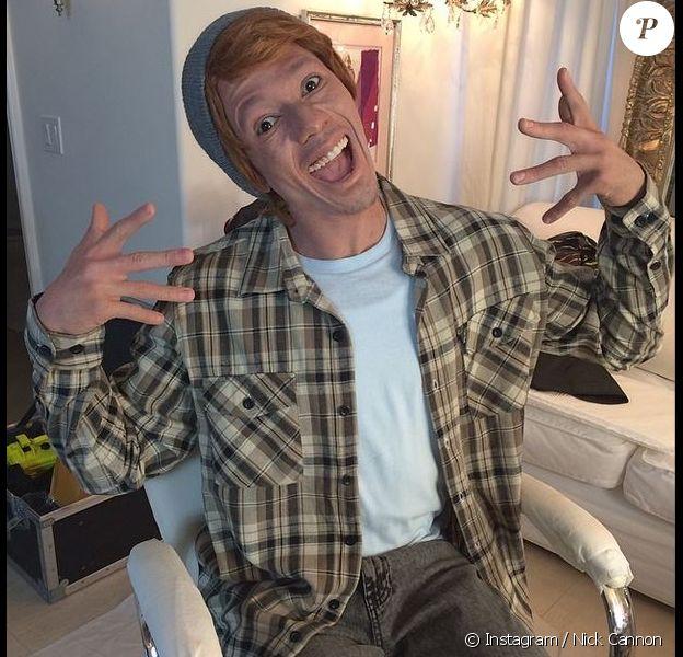 """Nick Cannon devient blanc pour assurer la promo de son album, """"White people party music"""". Et Internet s'emballe..."""