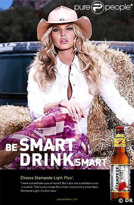 Jessica Simpson dans la publicite pour la biere Stampede Light