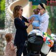 Jessica Alba, Jaime King et leurs enfants respectifs Haven et Jamie, se retrouvent au Coldwater Water Park. Beverly Hills, le 29 mars 2014.