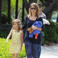 Jessica Alba et sa fille Honor passent leur samedi après-midi au Coldwater Canyon Park à Beverly Hills. Le 29 mars 2014.